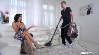 A gazdag nőci a kemény szexet szereti